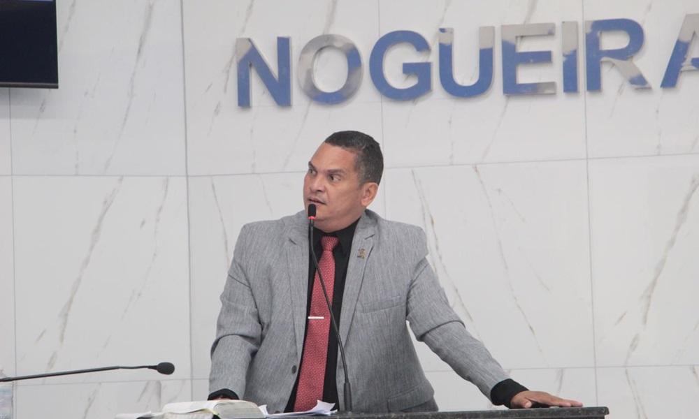Dentinho critica indisponibilidade do Estádio Fernando Lopes para o Campeonato Baiano