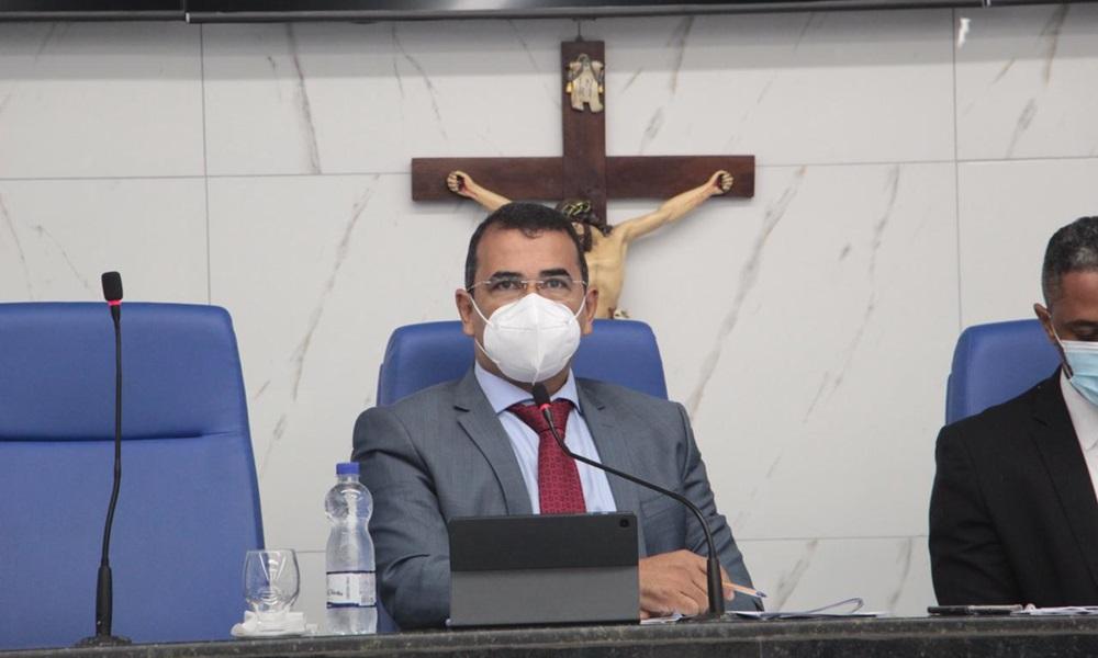 Júnior Borges pede criação de programa para prevenção e tratamento de úlceras crônicas em Camaçari