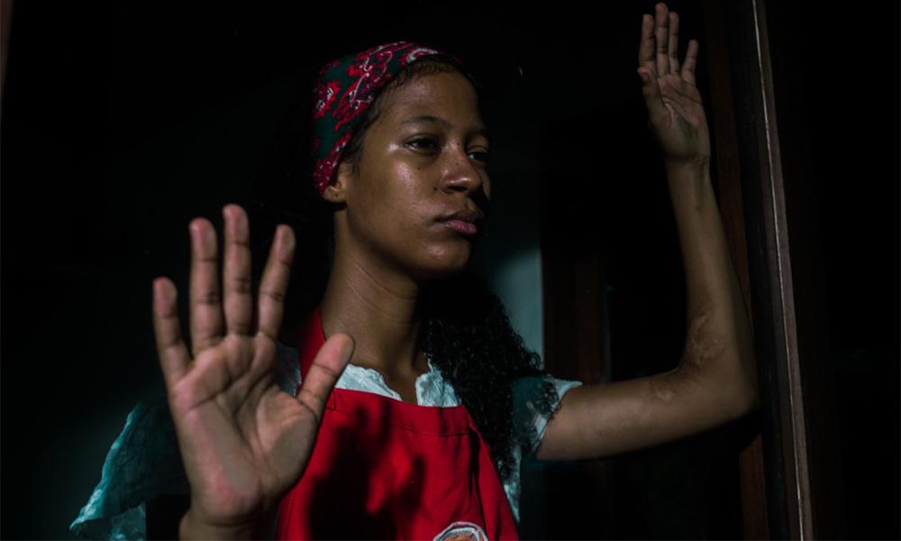 """Curta-metragem """"Portas"""" traz reflexões sobre impacto da pandemia na população negra e mais carente"""