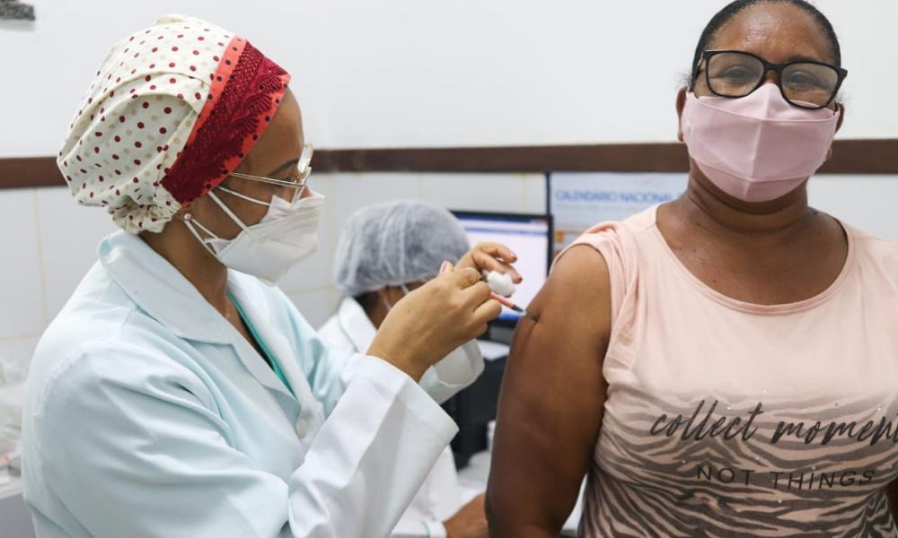 Mata de São João vacina hoje pessoas com 49 anos ou mais