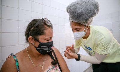 Covid-19: Camaçari começa a vacinar pessoas de 53 anos acima
