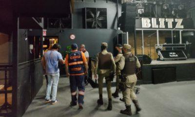 Casa de show é fechada após descumprimento do toque de recolher