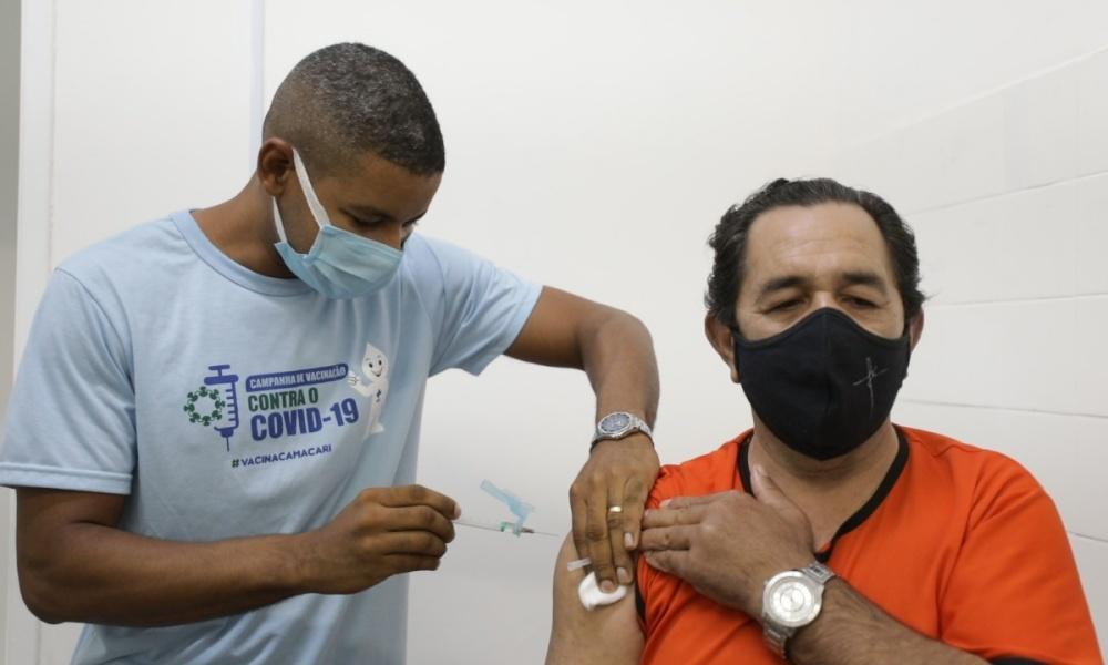 Covid-19: 26,25% dos profissionais de comunicação cadastrados foram vacinados em Camaçari
