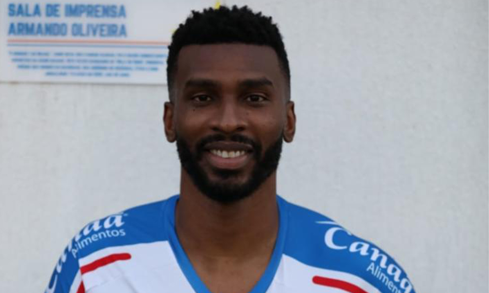 Bahia contrata zagueiro Ligger, ex-Bragantino