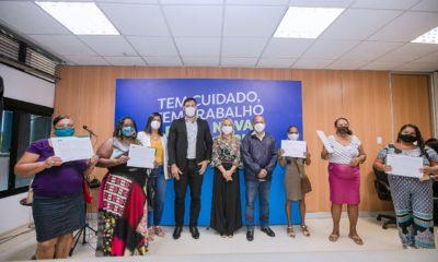 Camaçari: 30 títulos de propriedade são entregues a moradores do Nova Vitória