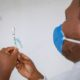 CIB autoriza vacinação contra Covid-19 de todos os trabalhadores da educação a partir de 18 anos