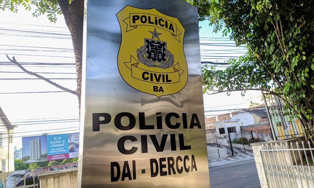 Casal é preso acusado de vender a filha recém-nascida por R$ 9 mil em Salvador