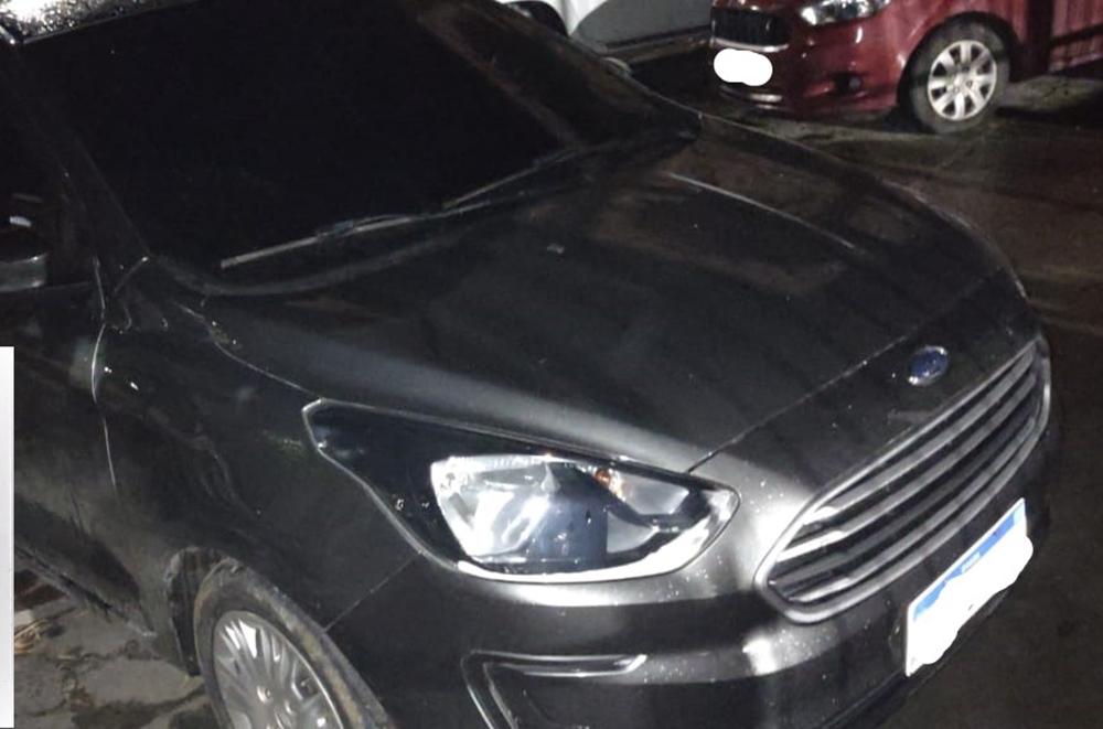 Veículo com restrição de roubo é recuperado pela polícia no Verde Horizonte