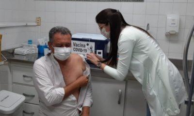 Rui Costa recebe segunda dose da vacina contra Covid-19