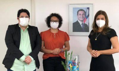 Tagner e Ivoneide solicitam implantação de ambiente coworking em Camaçari
