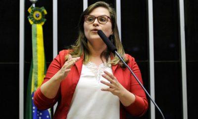 Câmara dos Deputados aprova distribuição gratuita de absorventes para estudantes e mulheres de baixa renda