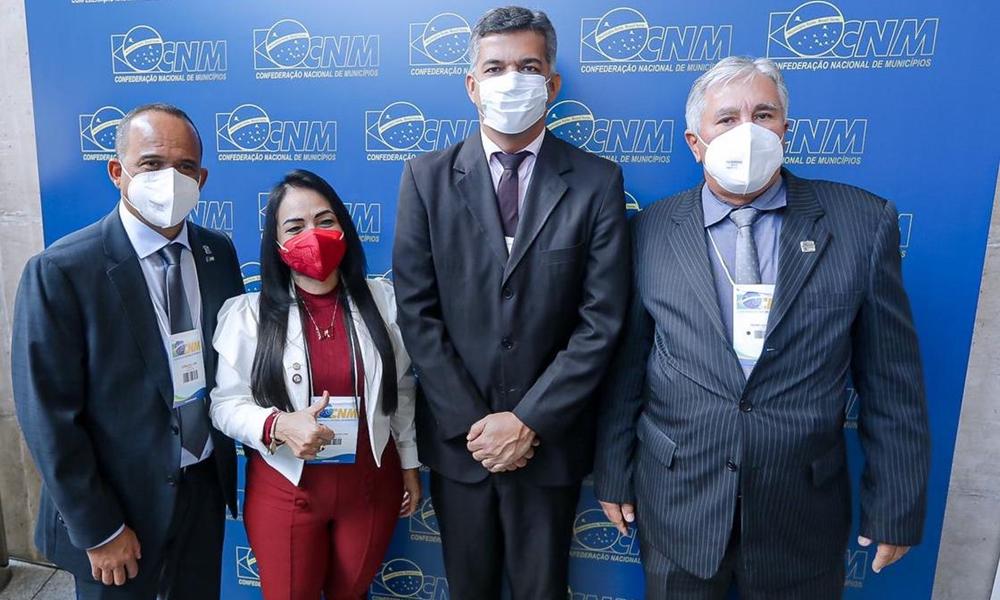 Em Brasília, Elinaldo participa de reunião do conselho político da CNM
