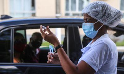 Salvador realiza mutirão da segunda dose da vacinação contra a Covid-19 nesta sexta