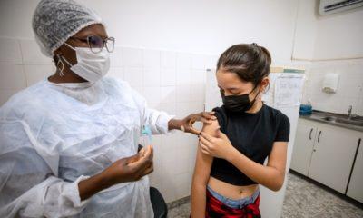 Camaçari retoma neste sábado vacinação de adolescentes sem comorbidade contra Covid-19