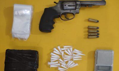 Rondesp RMS captura dupla com armas e drogas em Lauro de Freitas