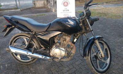 Jovem é apreendido com moto roubada no bairro da Concórdia em Dias d'Ávila