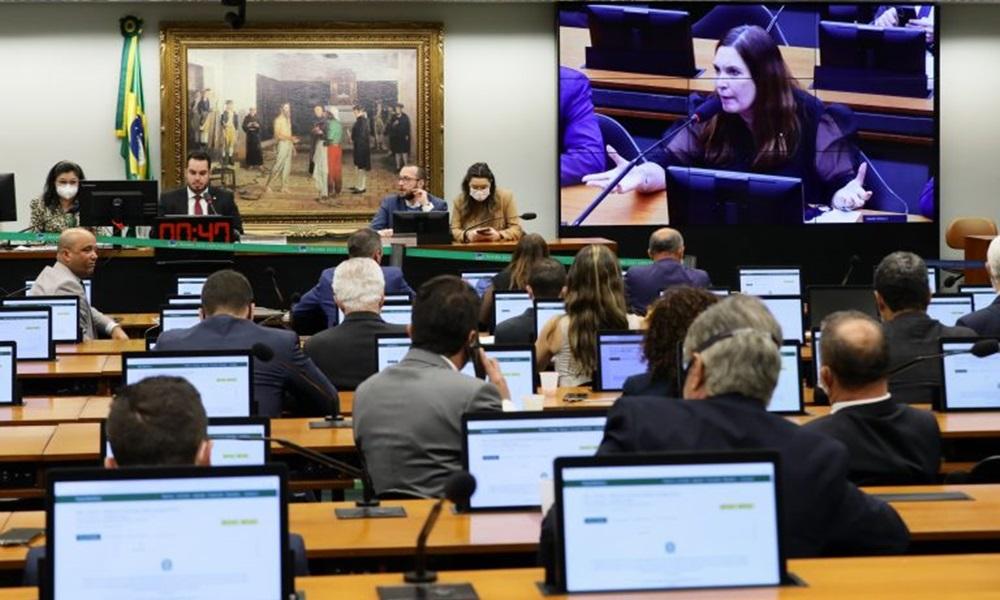 Por 23 a 11, Câmara dos Deputados rejeita PEC do voto impresso