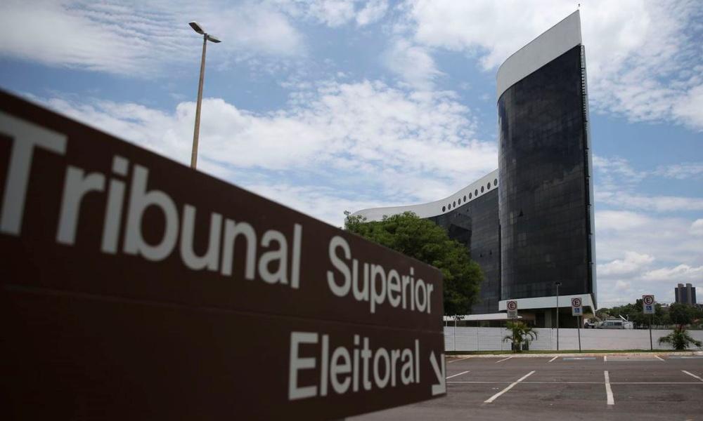 Ex-presidentes do TSE desde 1988 assinam documento em defesa da urna eletrônica e da democracia