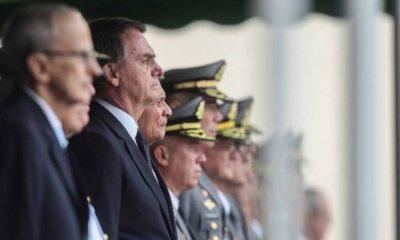 Pesquisa aponta que 48,5% dos brasileiros discordam da presença de militares no governo