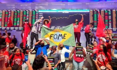 MTST ocupa Bolsa de Valores em SP e protesta contra fome e desemprego
