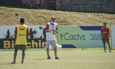 Vitória segue preparação para duelo contra Brusque na sexta-feira