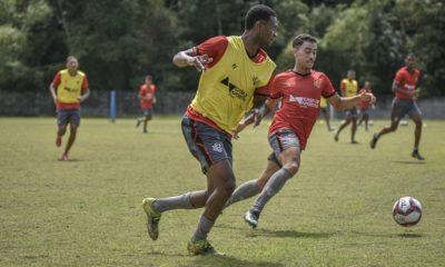 Vitória finaliza preparação para enfrentar o Coritiba no Barradão