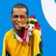 Natação: Gabriel Araújo leva mais uma medalha de ouro nos 50m costas