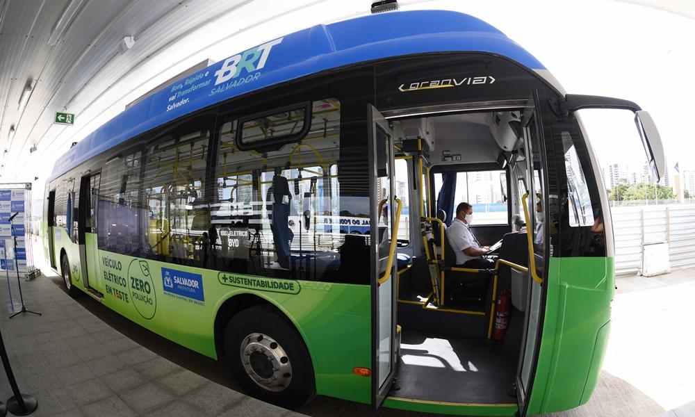 Ônibus elétricos passarão por testes em Salvador durante este mês