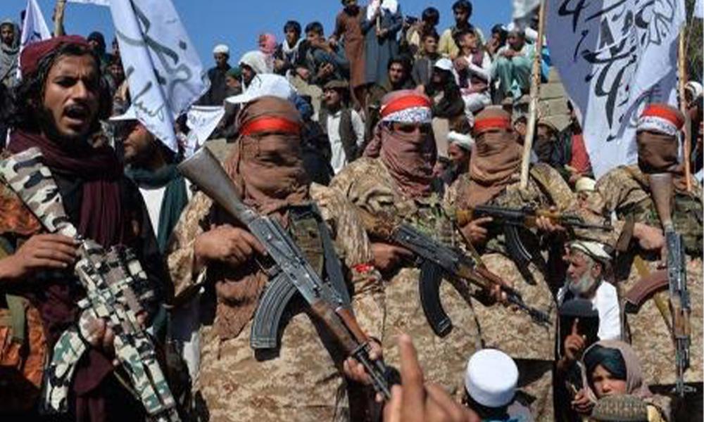 Jogadora de vôlei é morta pelo Talibã e dezenas estão escondidas aguardando fuga