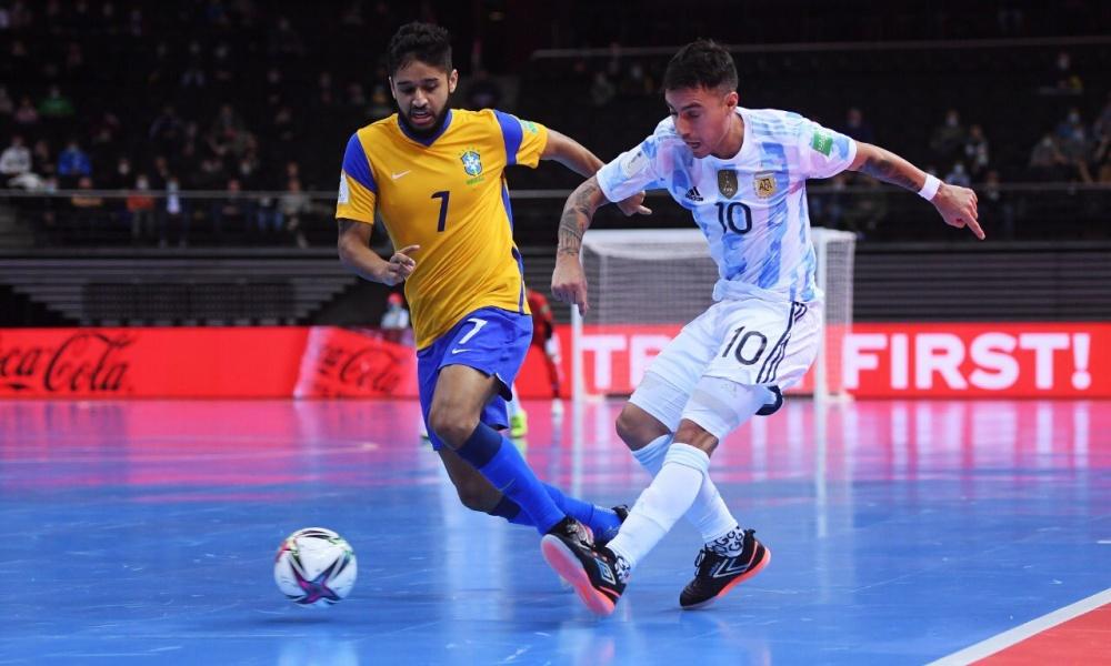 Brasil perde para Argentina e está fora da final da Copa do Mundo de Futsal