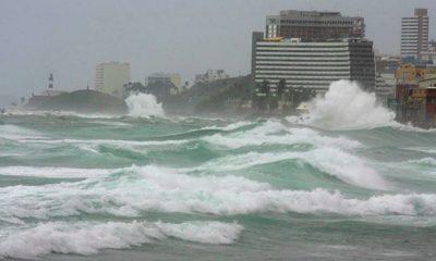 Marinha emite alerta para ondas de até 3,5 metros de altura em Salvador nos próximos dias