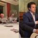 Assista: em jantar com empresários, Bolsonaro vira piada e Temer ri de imitação de humorista