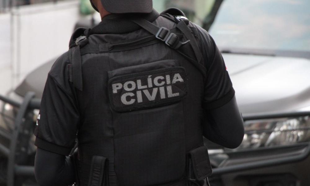 Dois homens são presos por tentativa de feminicídio em Simões Filho